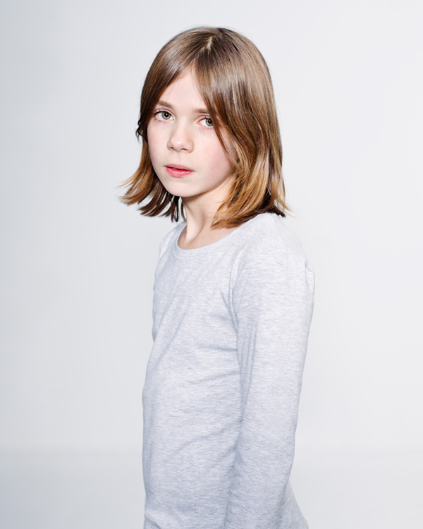 Boys & girls is a series of children's portraits at the age between eight and twelve, a period that gender norms have not yet dominated their appearance. Many people find that confusing and therefore uncomfortable, they want to know whether they are dealing with a boy or girl.